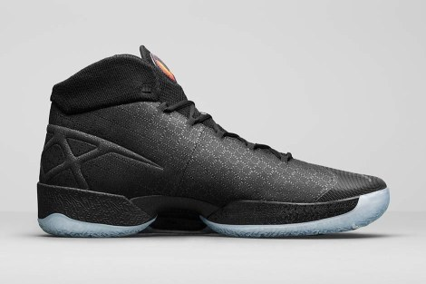 air-jordan-xxx-black-cat-1
