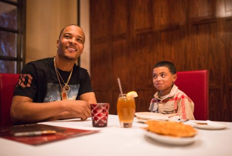 Drais-LIVE-Artist-Tip-T.I.-Harris-Meets-with-Make-A-Wish-Member-Mark-at-GIADA-at-The-Cromwell-6.10_2-e1465741267360 (1)